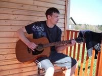 Без гитары не одно наше предприятие не делается.